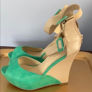Cute women's shoe size 11